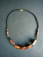 Bone Bead Short Necklace – Brown NBC2