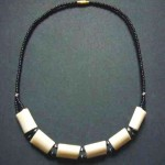Bone Bead Short Necklace – Cream NBC3