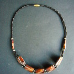 Bone Bead Short Necklace – Brown NBC2