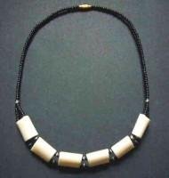 Bone Bead Short Necklace – Cream NBC3