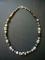 Bone Bead Short Necklace with Grey Agate Bead – MN16